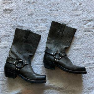 Frye Harness boot grey leather square toe size 8